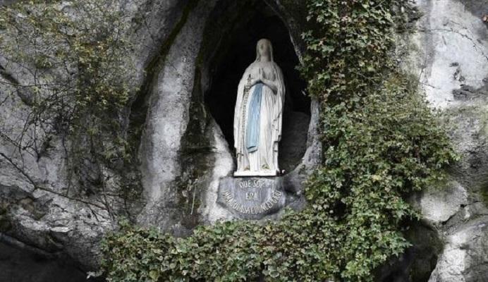 Preghiera del mattino: alla Beata Vergine Maria di Lourdes
